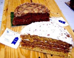 BLUE RIBBON LAYER CAKES