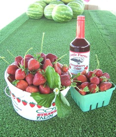Cottle Farms Strawberry Cider and fresh berries