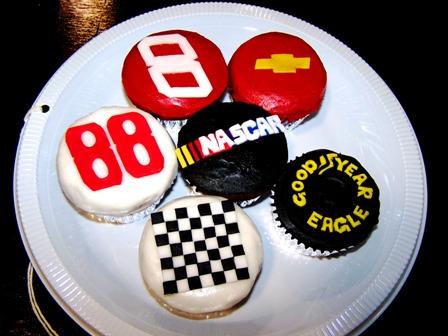 NASCAR CUPCAKES